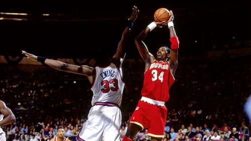 【NBA】ダンカンとオラジュワン、どっちが上?