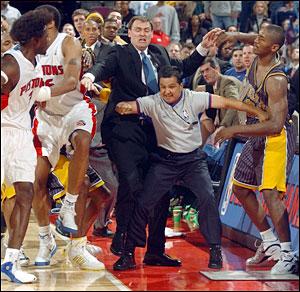 【動画】 NBAでガチな乱闘ってある?