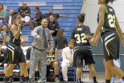 米高校女子バスケットの試合で圧勝したチームに連盟が強い憤り、コーチを出場停止に