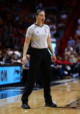 【NBA】クリス・ポールの女性審判に対する発言、リーグを巻き込んだ問題に!