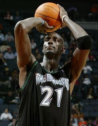 NBAケビンガーネットさんミネソタに復帰の噂