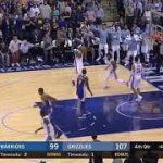 【NBA 2017-18】カリーがまたマウスピースを投げて退場!KDは小指を立てて退場!
